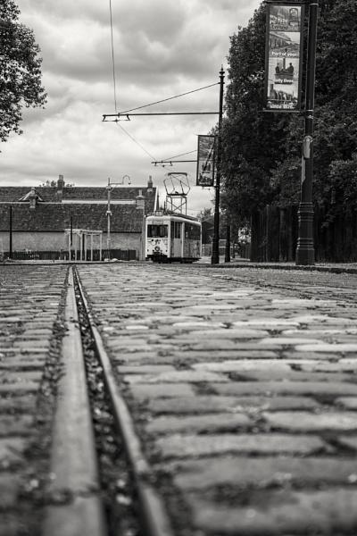 Tram to Düsseldorf by michaelharris