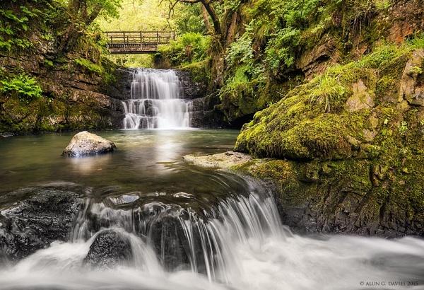 Sgydau Sychryd Cascades by Tynnwrlluniau