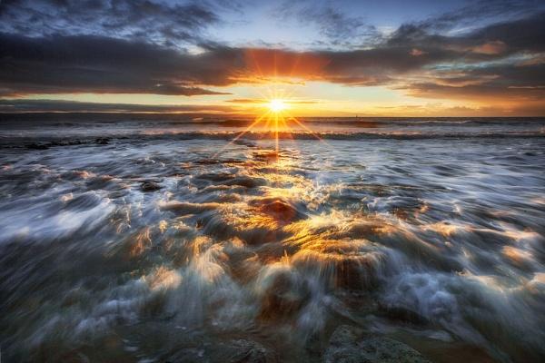 Southerndown Surf at Sunset by Tynnwrlluniau