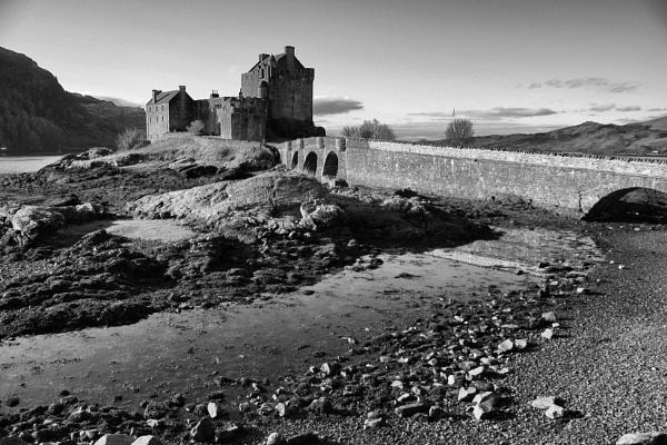 Eilean Donan Castle by DanfromScotland