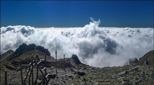 Madiera Cloudscape by Otinkyad