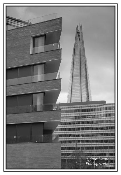 Angles and a Shard by IainHamer