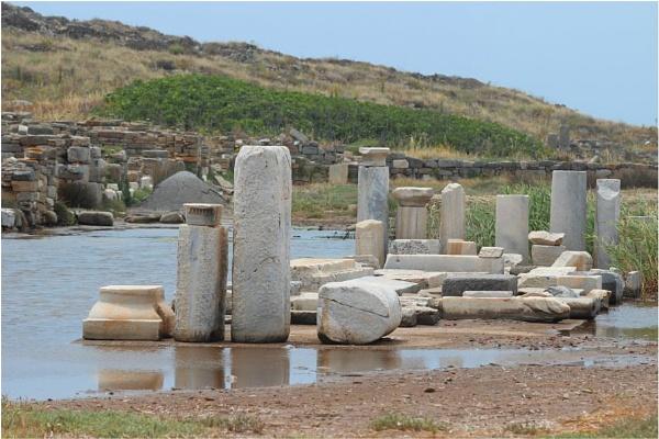 Ancient Delos by lifesnapper