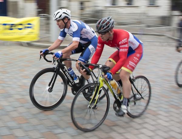 Cycle by zwarder