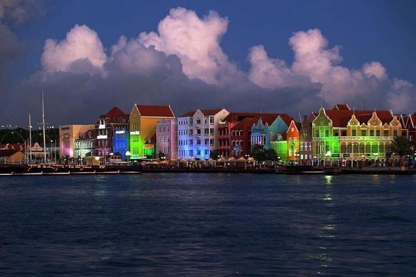 Curaçao sunset by gossyboy
