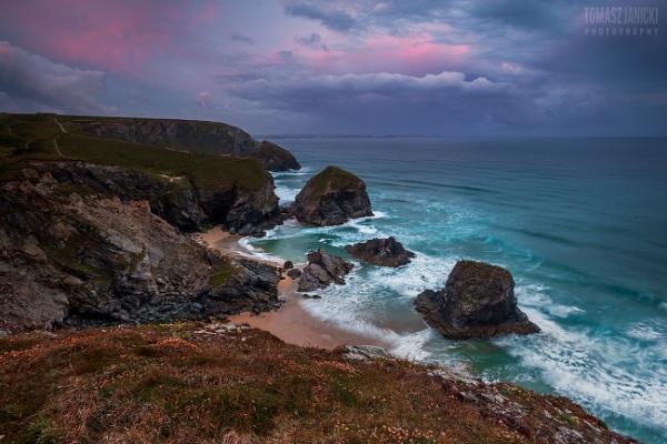 Bedruthan Steps Cornwall sunrise... by J_Tom