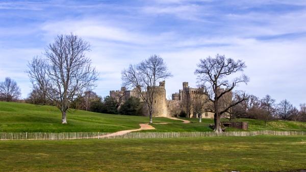 Bodiam Castle by nightjockey