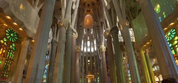 Gaudi\'s La Sagrada Familia by LinBrennan