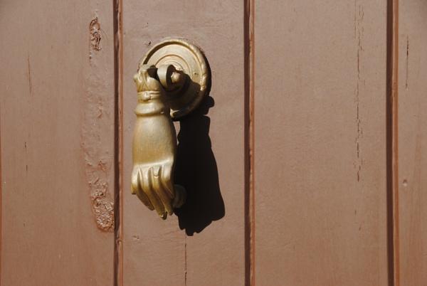 Shadows on doors! by Chinga