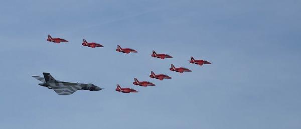 Vulcan & Red Arrows by Peter_West