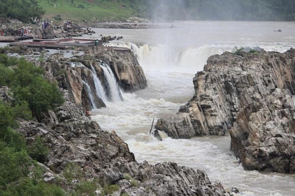 bhedaghat falls by rajibcee1