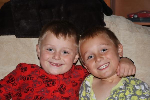 2 Little monkeys  ]great nephews] by mountains