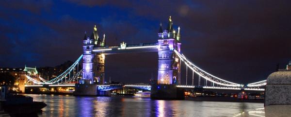 Tower Bridge by stephens55
