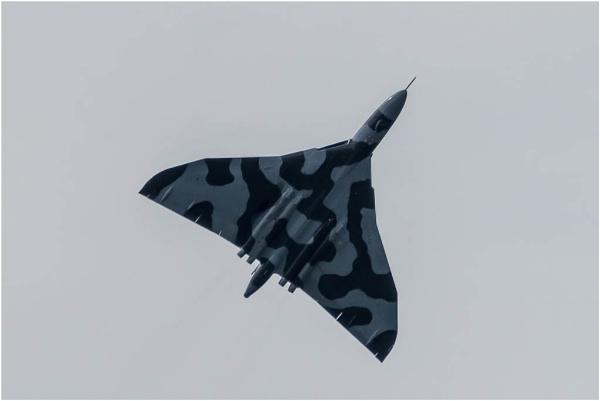 Avro Vulcan XH558 by liarsdance