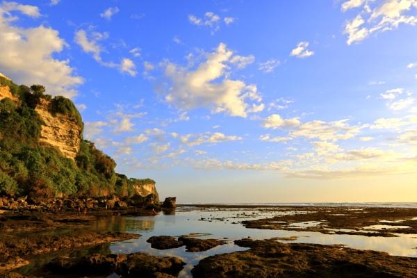 Bali Uluwatu Beach by WimpyIskandar