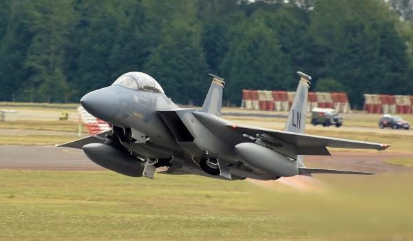 F15 Strike Eagle by nealie