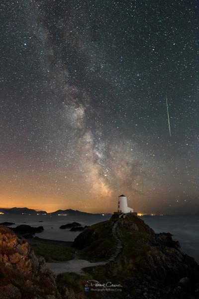 Perseid Meteor Over Llanddwyn Island by St1nkyPete