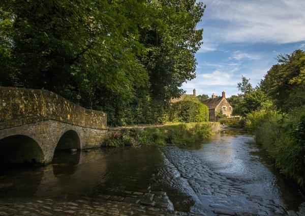 Lacock Village, Wiltshire by rob wilkins