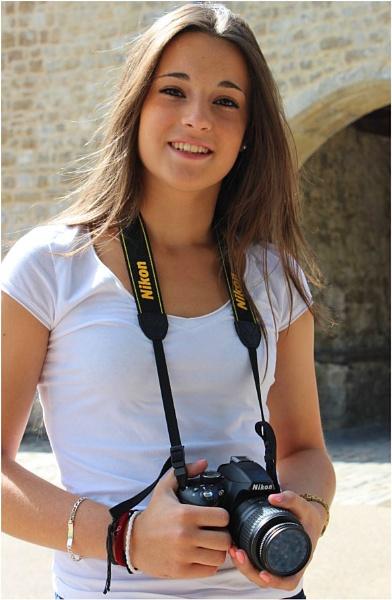 Nikon Girl by lifesnapper