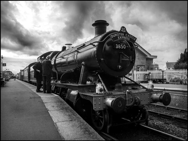GWR 2-8-0 no. 3850 at Bishop\'s Lydeard by bwlchmawr