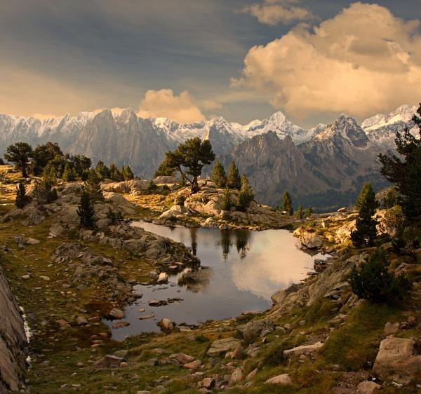 Pyrenees sunrise by Photoseeker