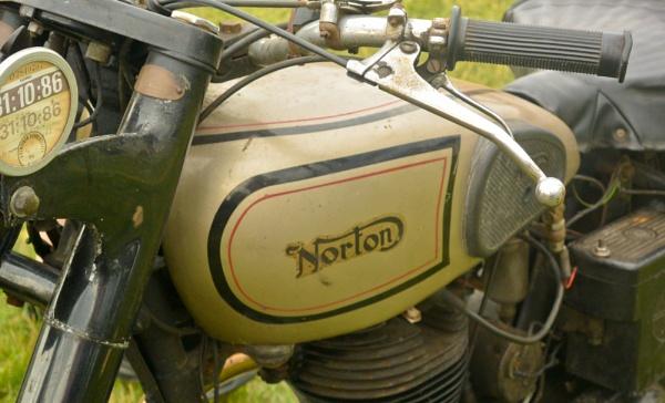 Norton Classic by Suzicoo