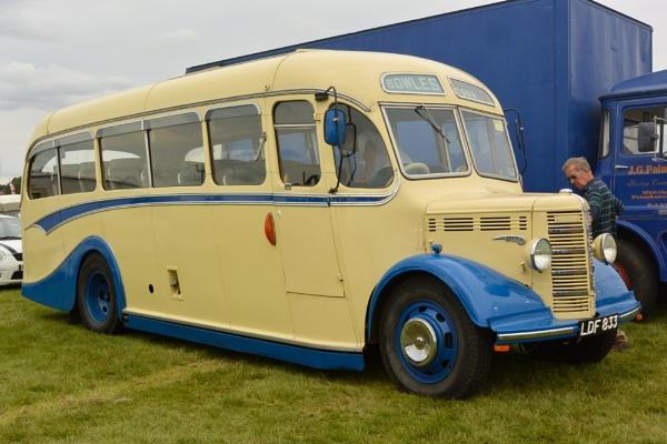 Touring Bus by Suzicoo