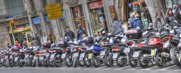 Barcelona Scooters by bobtl