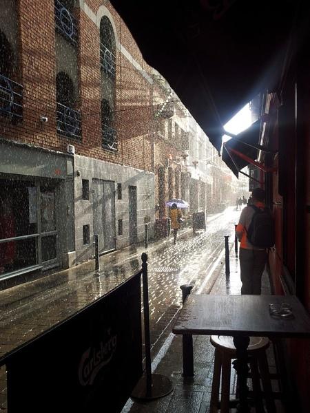 Rainy day in dublin by STEVELIN