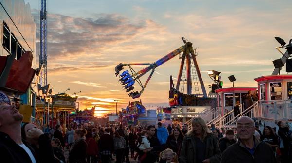 Hull Fair by oddlegs