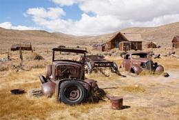 Dead Cars at a Dead Town