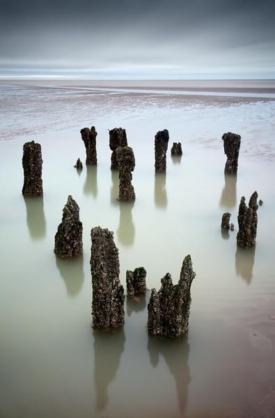 Winchelsea Beach by derekhansen