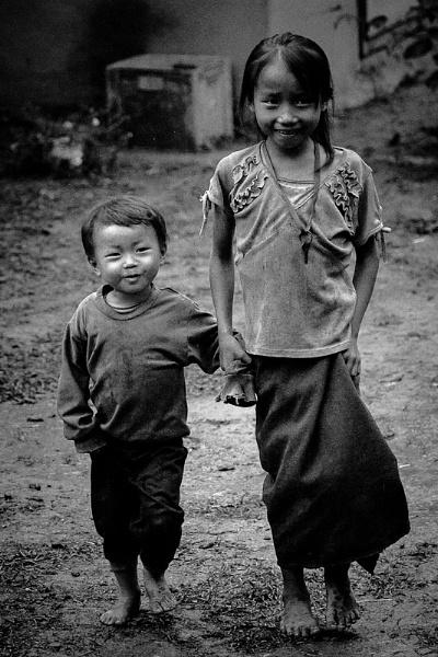 Laos Children by dvdrew