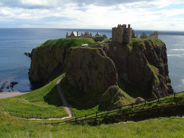 Dunnottar Castle, Stonehaven by kaylesh