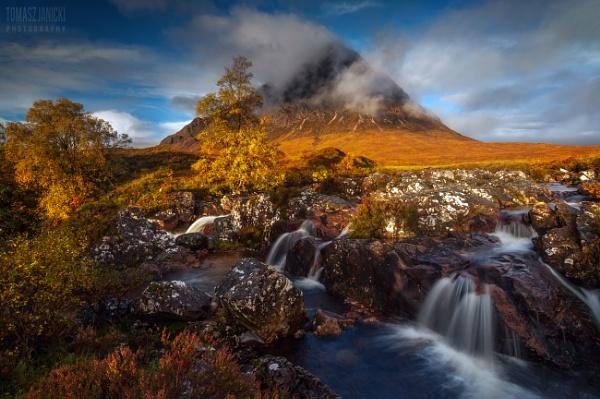 Scottish October... by J_Tom