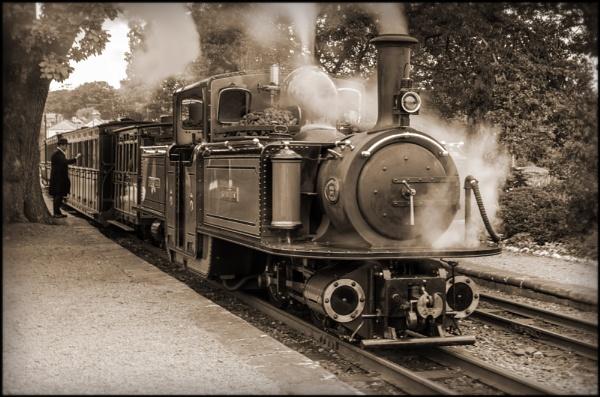 """Ffestiniog Railway\'s  Double Fairlie Locomotive \""""David Lloyd George\"""" at Minfordd Station by bwlchmawr"""