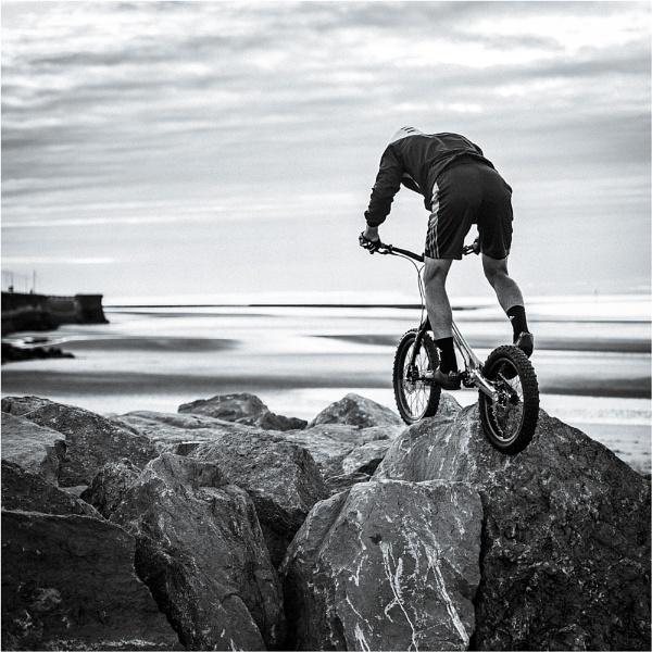 Rock Climbing by sherlob
