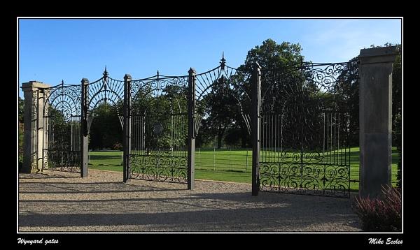 Wynyard gates by oldgreyheron