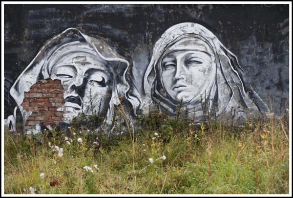 Urban decay of urban graffiti by bazza21