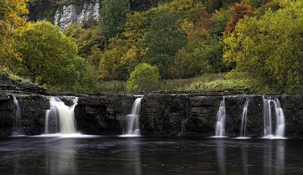 Autumnal Falls by Fletcher8
