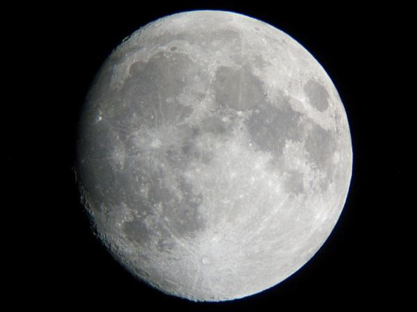Yesterday\'s moon by DerekHollis