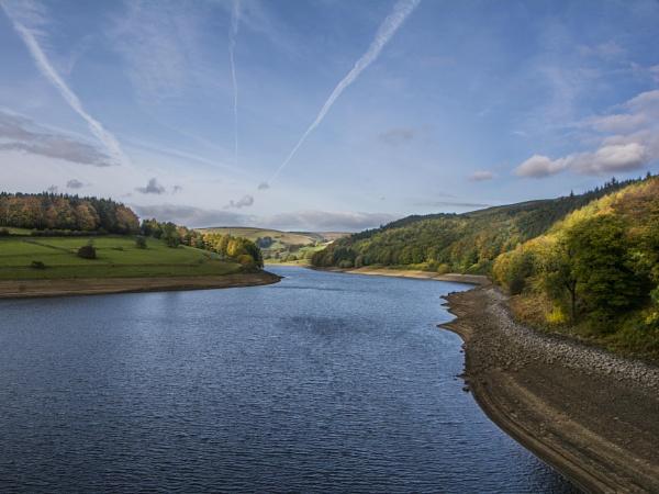 Ladybower Reservoir by ptdigital