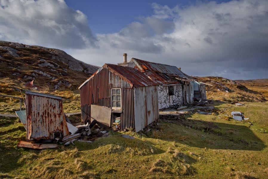 Lochside ruin