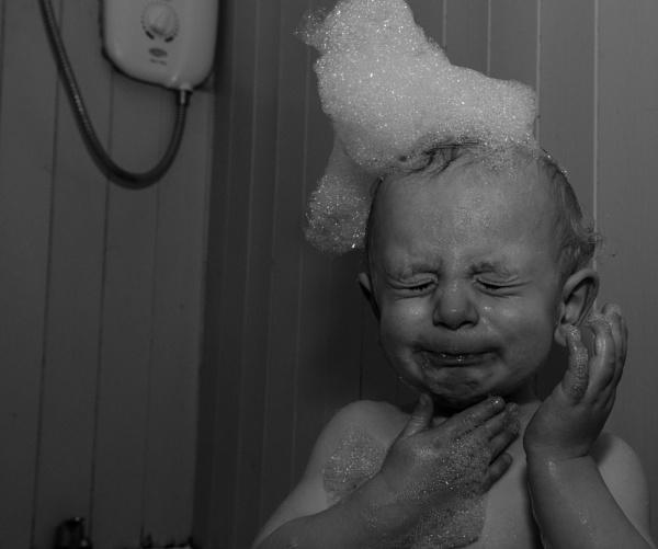 Mummy, stop it! by jadus