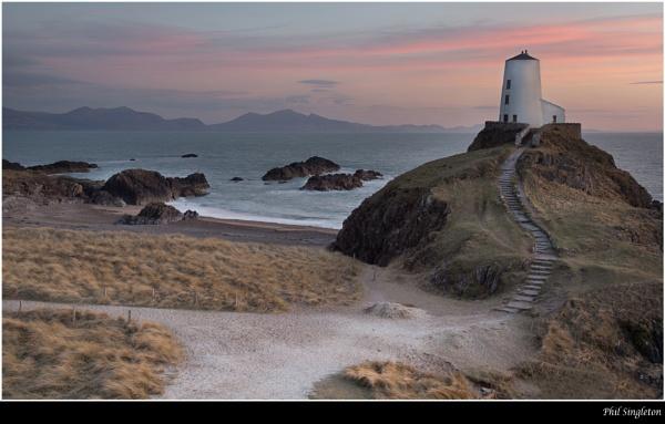 Lovers Island by PhilSingleton