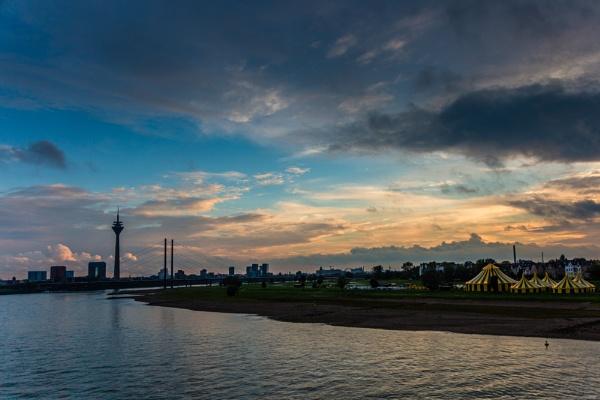 Dusseldorf by rninov