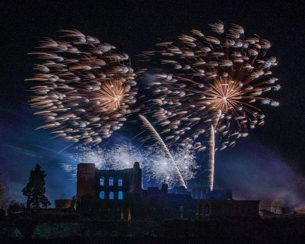 kenilworth fireworks 2015 - #01 by AlanRangerPhotography