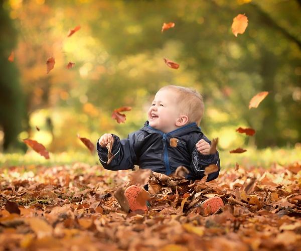 Autumn Boy by DannoM