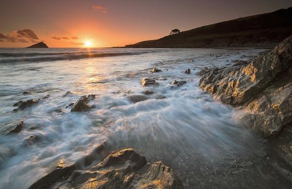 Sundown by the Rocks by ilocke