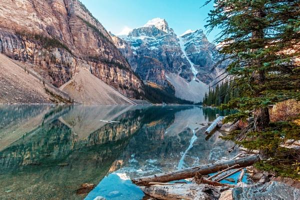 Moraine Lake again. by pdunstan_Greymoon